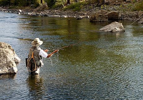 lifestyle_outdoor_flyfishing